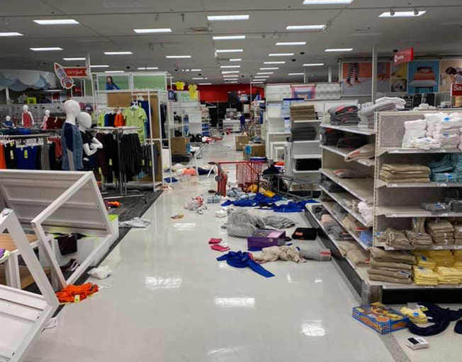 Looters hit Target in Normal, local man shares his observations