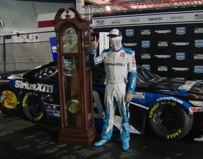 Martin Truex Jr. Wins First NASCAR Night Race at Martinsville [VIDEO]