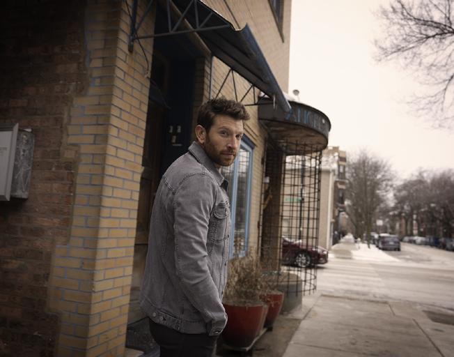 Brett Eldredge's New Album 'Sunday Drive' has a Bloomington-Normal Connection