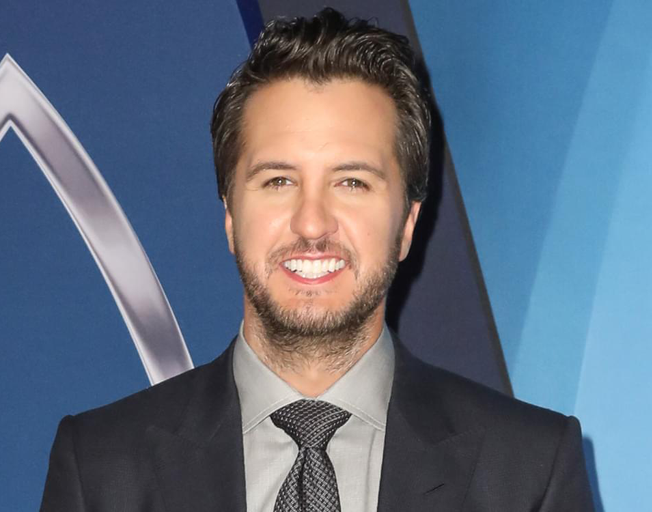 Luke Bryan Weighs in On Garth Brooks Withdrawing from EOTY Award
