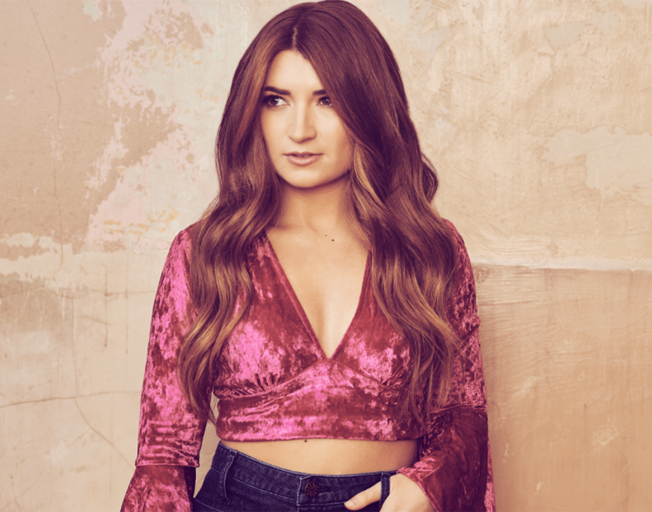Tenille Townes Reflects on Winning ACM New Female Artist of the Year