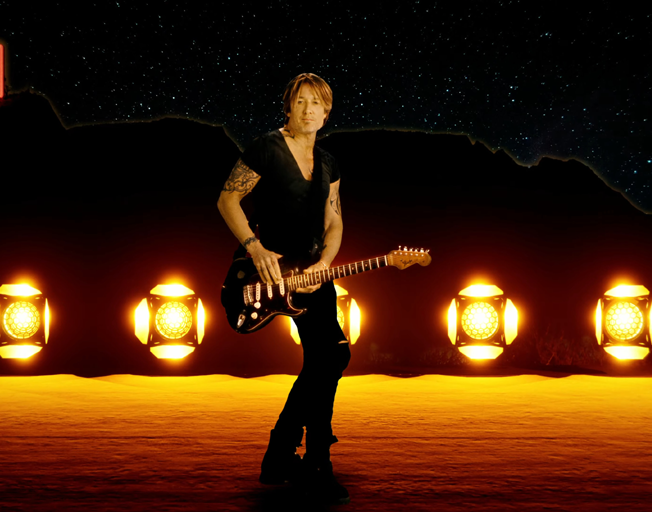 """Keith Urban's """"Tumbleweed"""" Is a Fast-Paced Jam [VIDEO]"""