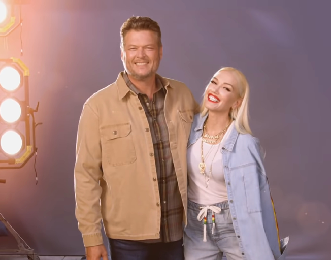 (L-R) Blake Shelton and Gwen Stefani in 'The Voice' promotional video