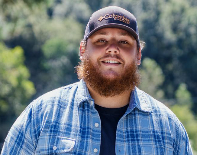 "Luke Combs Says Deluxe Album is More Than Just ""Some Extra Songs"""