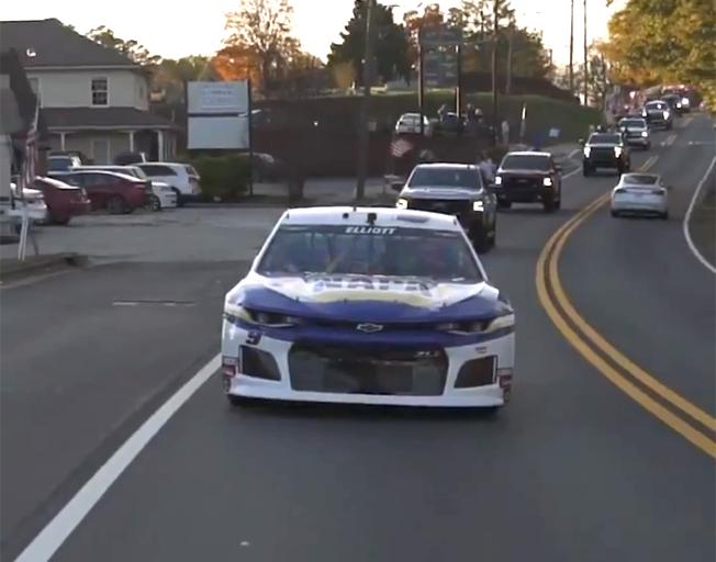 Chase Elliott Drives NASCAR Championship Race Car through Hometown Streets [VIDEOS]