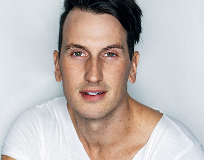 """Russell Dickerson """"Love You Like I Used To"""" Holds #1 for Second Week"""