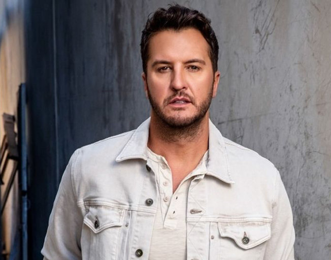"""Luke Bryan Thinks """"Down To One"""" Checks All The Boxes"""