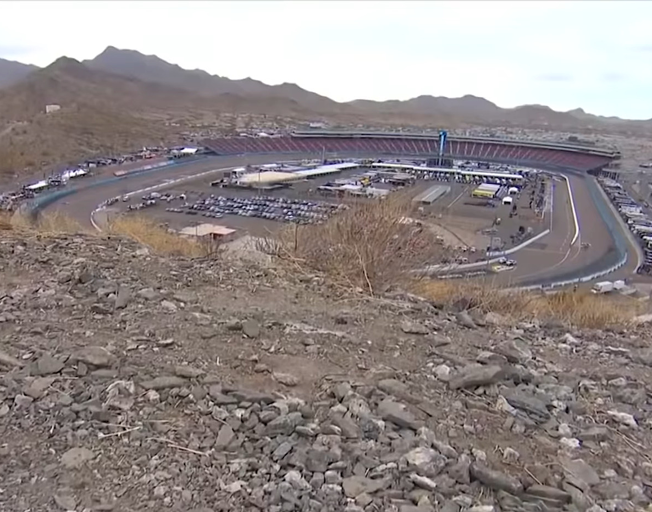 NASCAR Headed to Duel in the Desert at Phoenix Raceway in Instacart 500