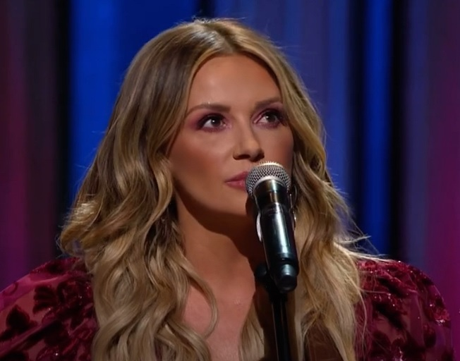 """Carly Pearce Tributes Incredible New Song """"Dear Miss Loretta"""" to Her Country Music Hero Loretta Lynn"""