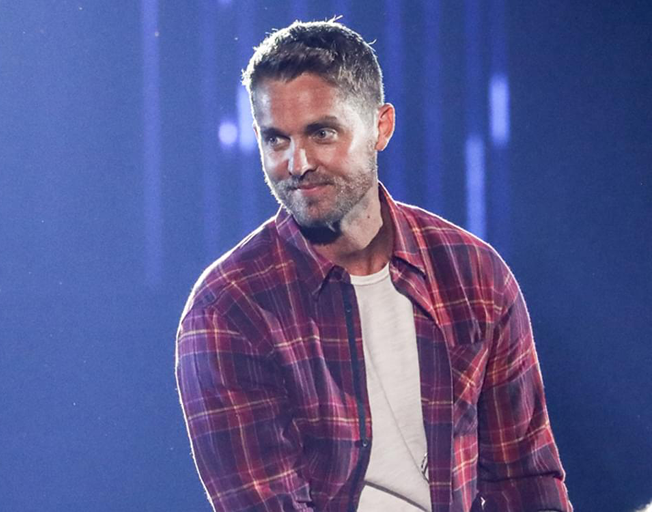 """Brett Young has a Number One """"Lady"""""""