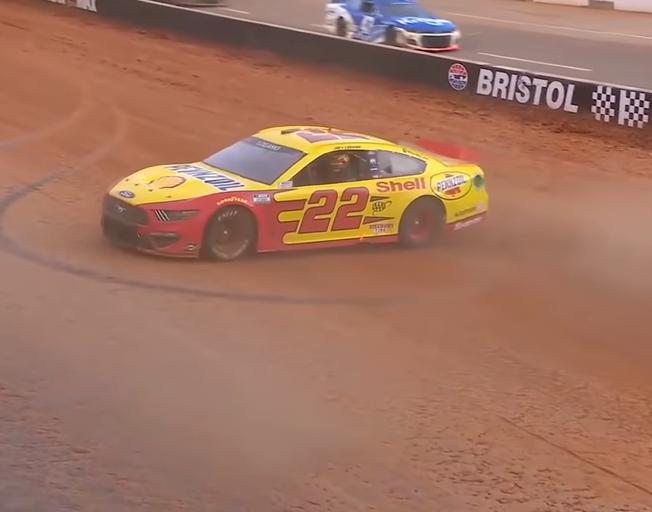 Joey Logano Wins NASCAR Dirt Race at Bristol [VIDEO]
