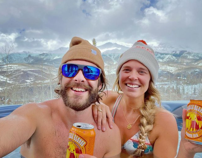 Thomas Rhett Celebrates Birthday with Family Ski Trip [PHOTOS]