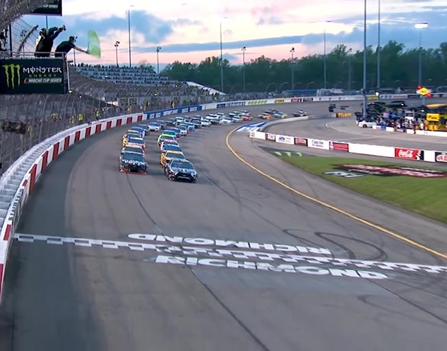 Green flag start in NASCAR Cup Series at Richmond Raceway