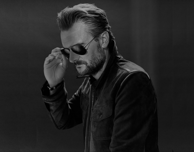 """Eric Church Shares Story Behind Writing His #1 Song """"Hell Of A View"""""""