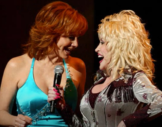 """Dolly Parton Talks About """"9 To 5"""" Reunion AND Her Upcoming Duet With Reba McEntire"""