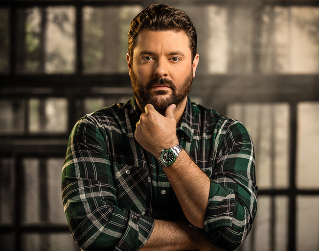 Chris Young Helps Pay It Forward To Nashville Musicians With Huge $1000 Tip