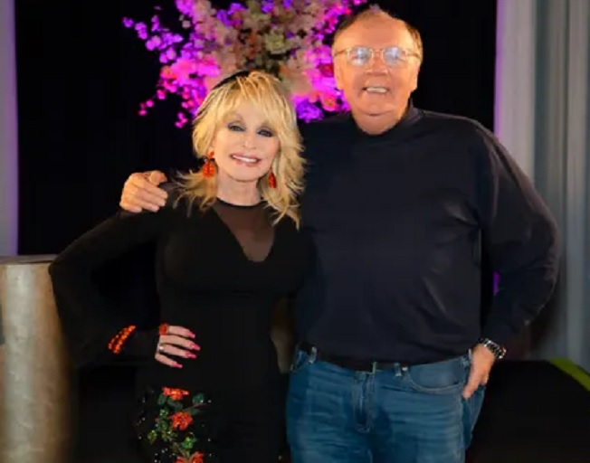 Dolly Parton Teams Up With James Patterson To Write First Novel 'Run, Rose, Run'