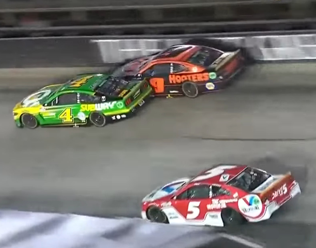 Bent Fenders, Flatten Tires, Tempers Flared and Drivers Eliminated in NASCAR Race at Bristol [VIDEO]