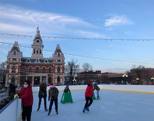 Visit the Pontiac Ice Skating Rink