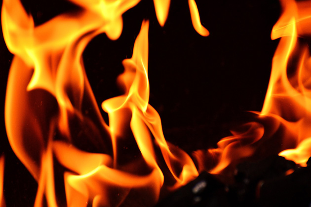 Woman severely injured in Bloomington apartment fire