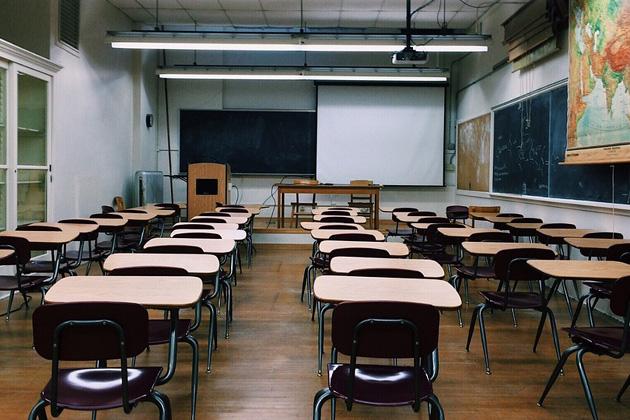 Teacher union-backed poll: Teachers underpaid, should be able to retire earlier