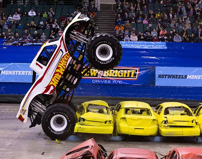 This Weekend Hot Wheels Monster Trucks Live At The Grossinger Motors Arena Wjbc Am 1230