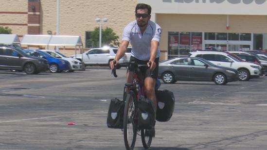 Navy veteran rides bike across country for Creativet organization