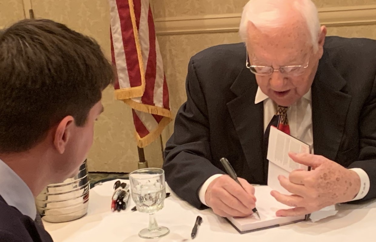 """Former Illinois Gov. calls prison term """"waste of time"""" at a book signing in Springfield"""
