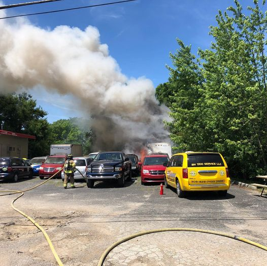 Bloomington fire crews respond to multiple vehicle fire