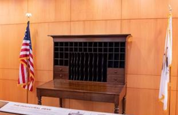 ALPLM unveils desk then President-elect Lincoln write First Inaugural address