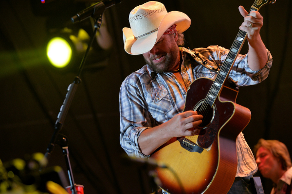 "Toby Keith Hitting The Road This Summer On ""That's Country Bro!"" Tour"