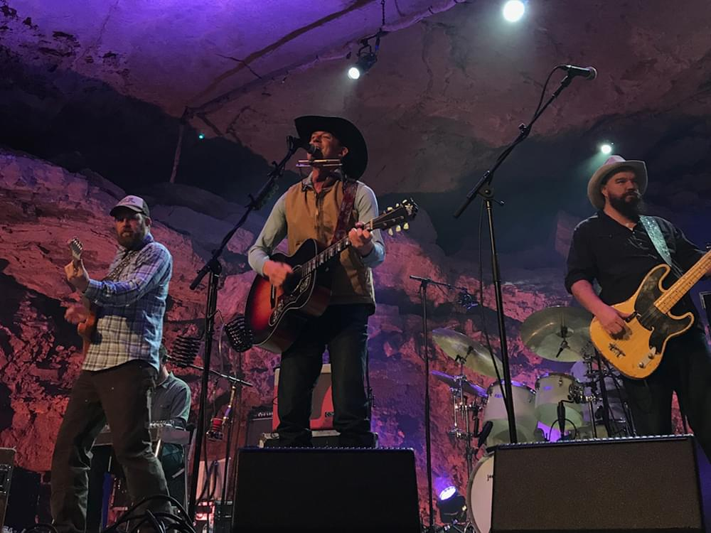 "Turnpike Troubadours Taking ""Indefinite Hiatus"" After Cancelling Upcoming Shows"
