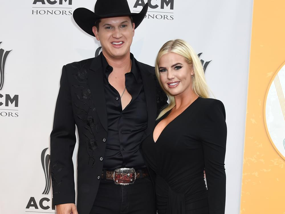 Jon Pardi Gets Engaged During Ryman Show