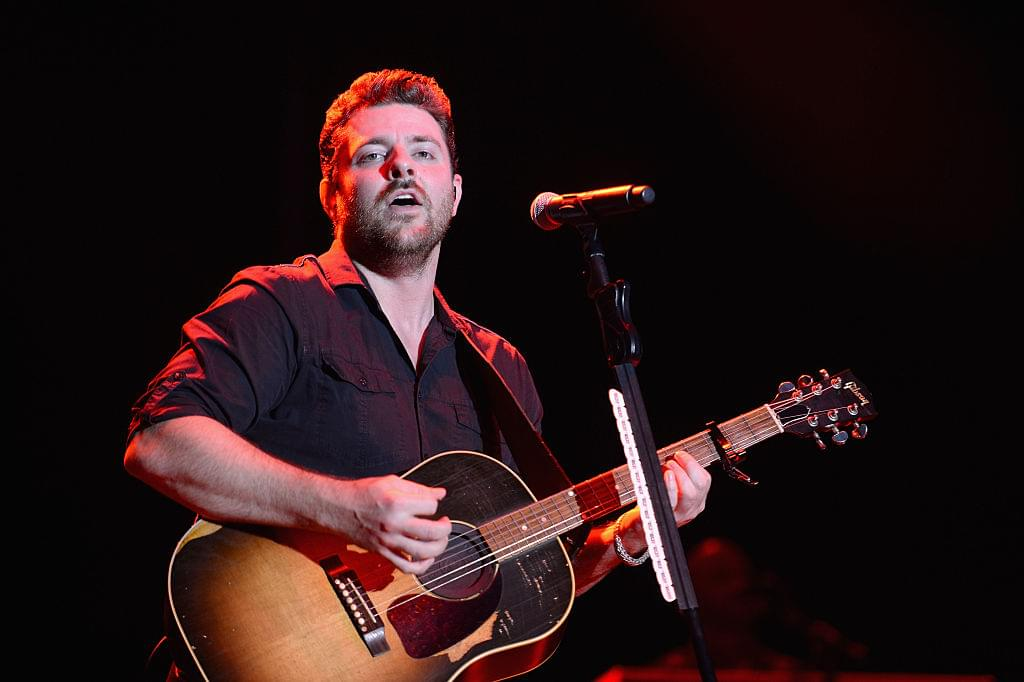 Chris Young Goes Into Audience To Sing With Fan Undergoing Cancer Treatment [WATCH]