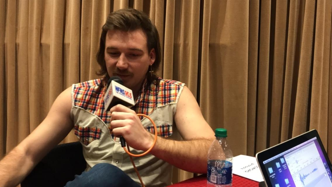 DOES MORGAN WALLEN OWN A SHIRT WITH SLEEVES?