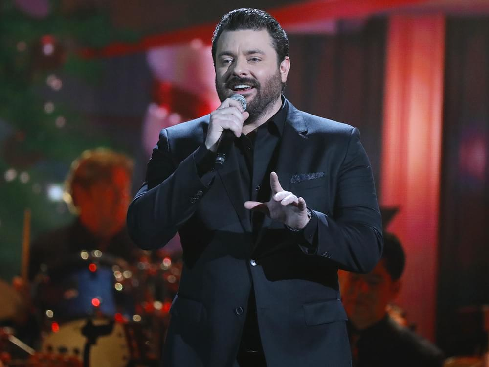 "Watch Chris Young's Performance of ""Holly Jolly Christmas"" at the ""CMA Country Christmas"" TV Special"
