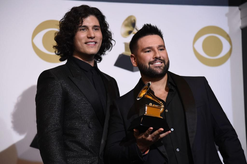 "Dan + Shay Share Adorable Video Of Boy Singing ""10,000 Hours"" To Baby Brother With Down Syndrome [WATCH]"