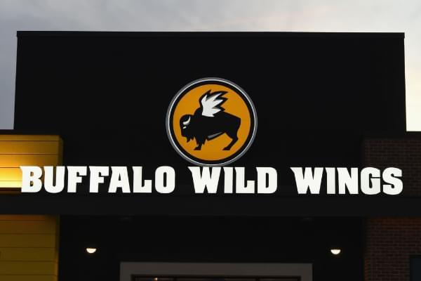 Buffalo Wild Wings Giving Away Free Wings If The Super Bowl Goes Into Overtime
