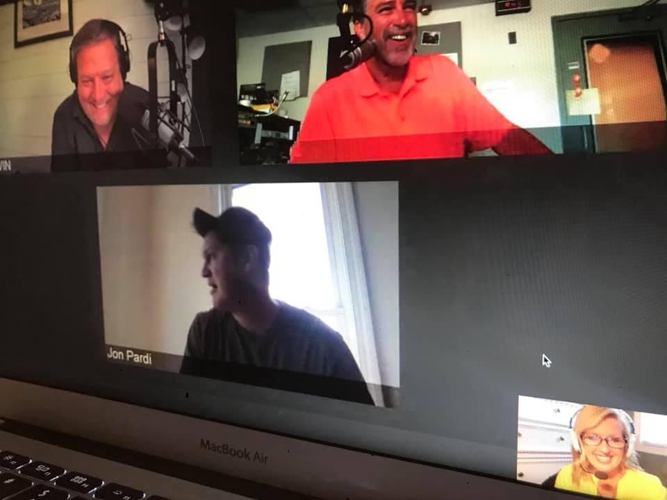Jon Pardi zooms with JDK