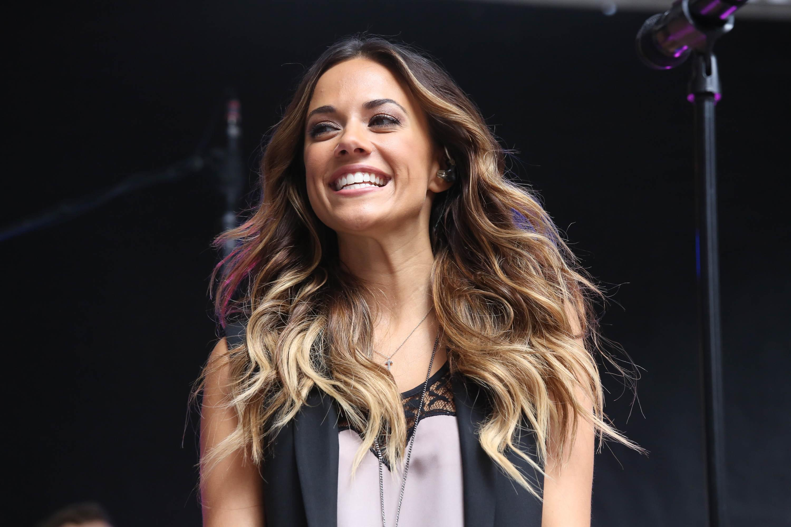 Jana Kramer Might Be A Cast Member On Real Housewives