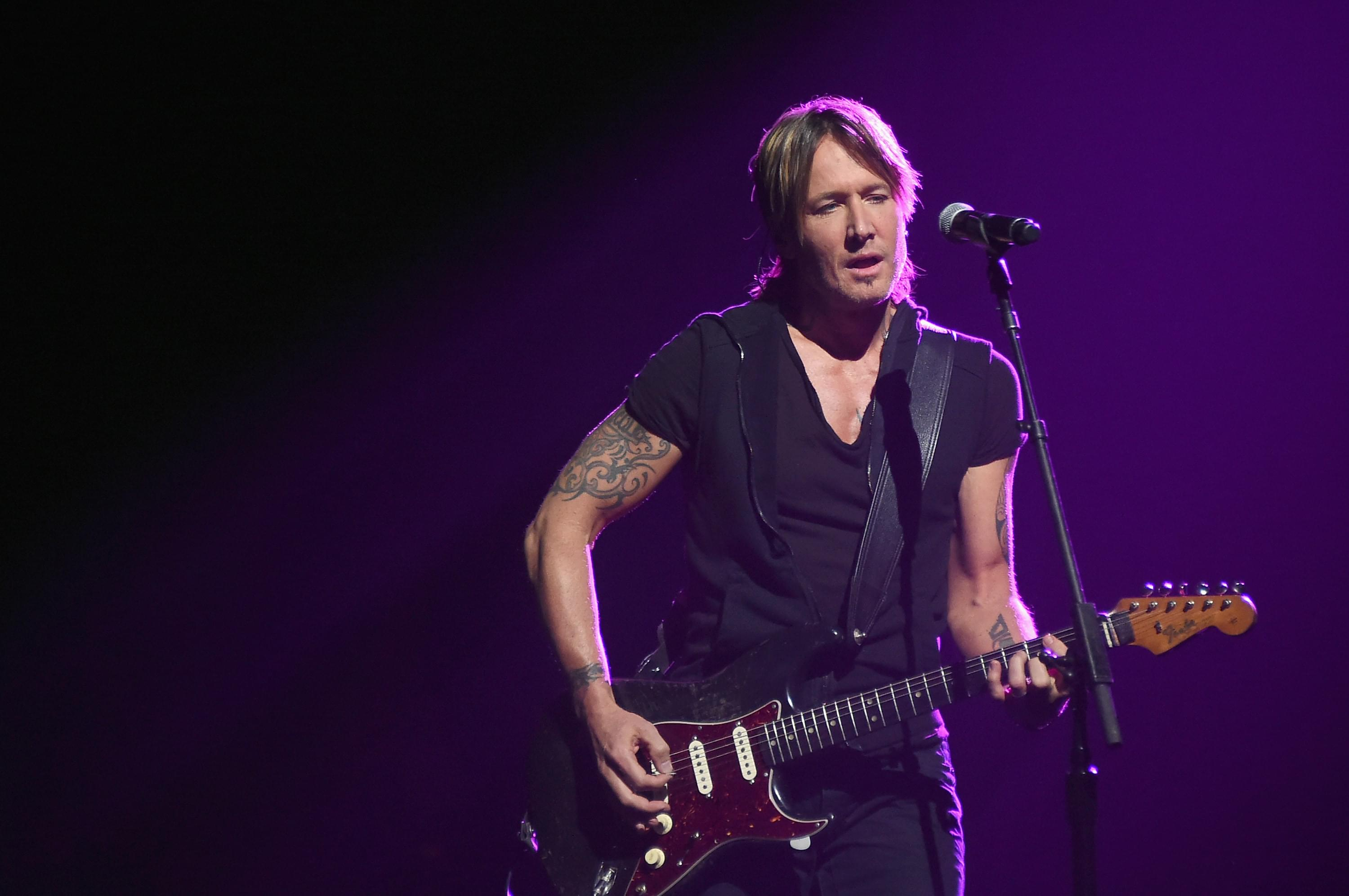 "Keith Urban Covers Luke Combs' ""Even Though I'm Leaving"" [WATCH]"