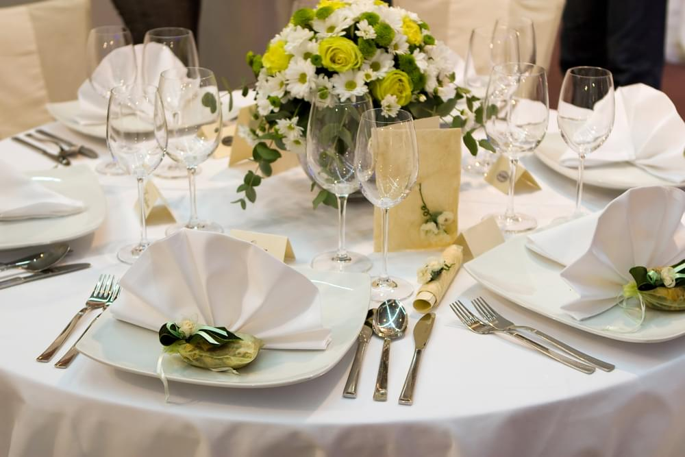 Couple's Wedding Food Is Getting Criticism For Being 'Too Cheap'