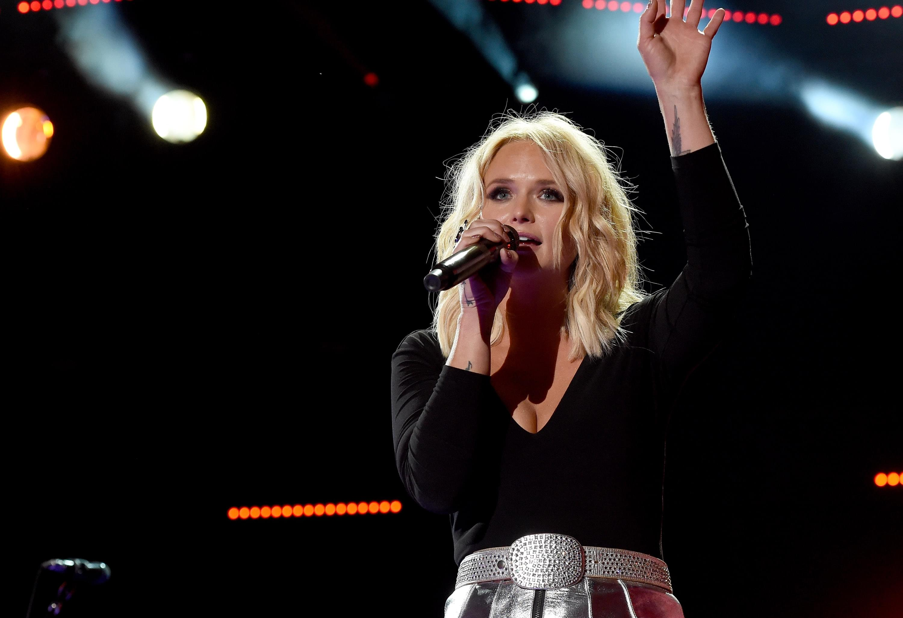 Miranda Lambert Says Goodbye To Her Dog After 13 Years Together