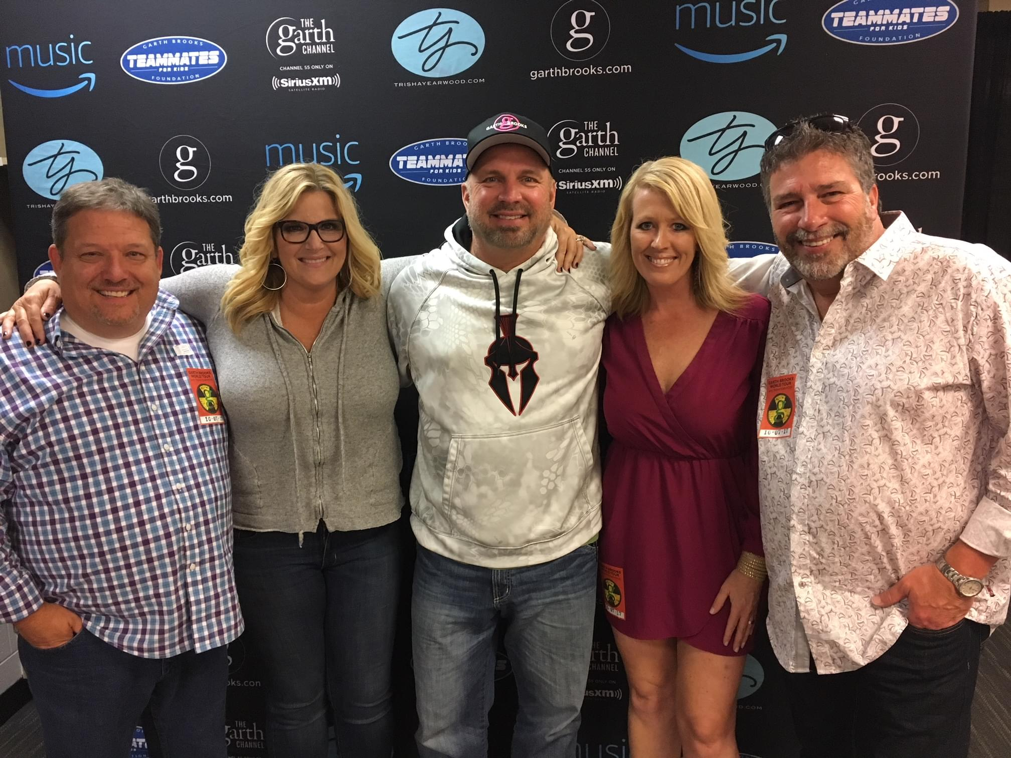 Garth Says He Should Weigh 400 Pounds!