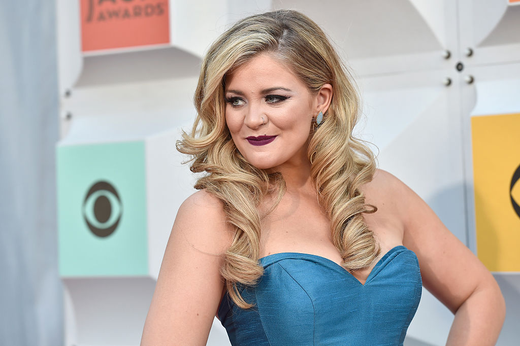 Lauren Alaina Is Going To Release A Self-Help Book