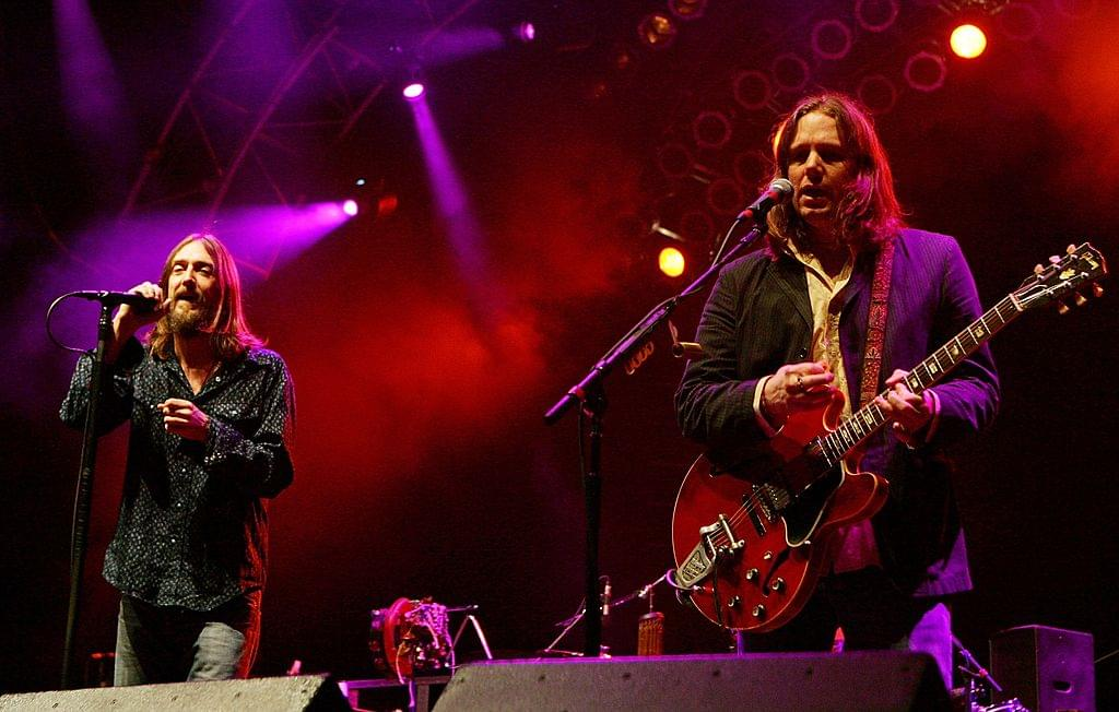 The Black Crowes' Chris Robinson Goes Off On Audience For Being Too Loud During Concert [WATCH]