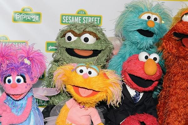 [WATCH] Sesame Street Addresses Parents With Addiction