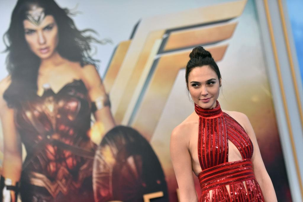 WONDER WOMAN 1984: Gal Gadot's Diana Returns In The Brand New Trailer!