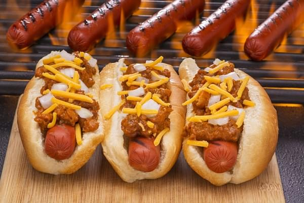 A New Fad Diet That Includes Hot Dogs and Ice Cream Isn't Backed by Science . . . But It's Trending