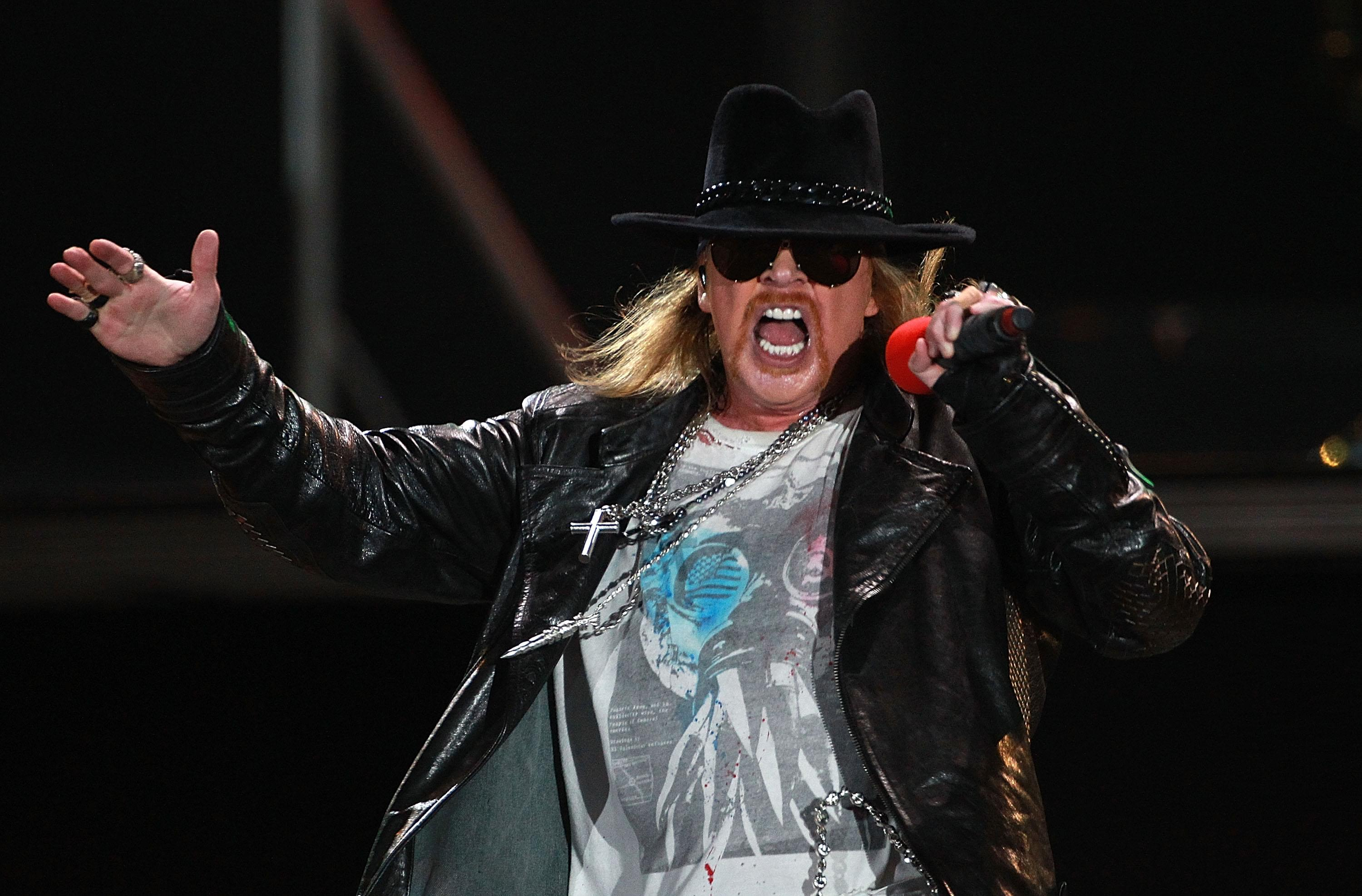 """Axl Rose Makes A Cameo In An Episode Of """"Scooby Doo And Guess Who"""""""